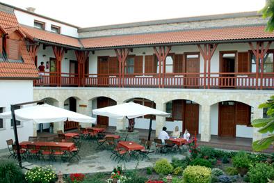 Hotel Magita. Szálloda, rendezvényhelyszín, esküvői helyszín Erdőbénye.